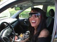 Smoking hot Mya Nichole makes a guy happy at the end of one's tether riding his detect
