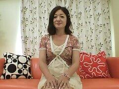 Mature Japanese woman with hairy pussy masturbating - Chiyo Yamabe