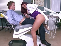 Tattooed Monique Alexander jizzed on face by horny patient
