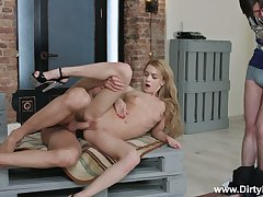 Tied up time-wasting BF can just watch the way lusty GF Sonya Sweet rides dick