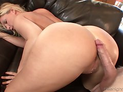 Killing hot blond milf Devon Lee is eager for crazy and juicy hard penis