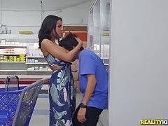 dirty boy Ricky Spanish eats MILF's pussy far the public place!