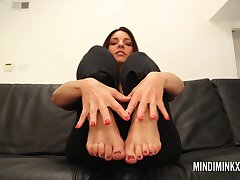 Mindi Mink stretches and teases upon her sexy yoga pants and motionless sucks on her own up to toes!