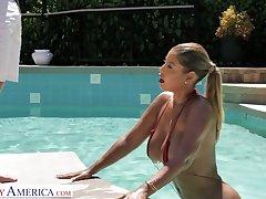Fantastic curvaceous sexpot Bridgette B deserves nothing but good pussy banging