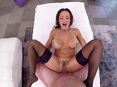 Milf suits her trimmed pussy with a uncompromisingly generous dick