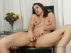 Super Mummy Nora Noir Ride cock Hard Young Step-son