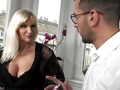 Prex old rich woman Anna Valentina gets initiate with young gigolo