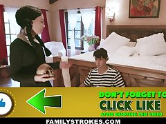 Audrey Noir & Kate Bloom in Addams Family Orgy - FamilyStrokes