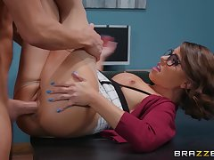 Secretary pleases horny boss with a very tight pussy