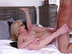 Pure guru and doggy for the mature with a nice ass