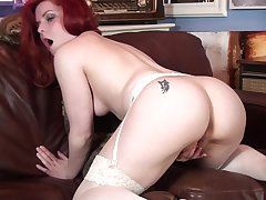 Redhead cougar Poline takes off say no to clothes to have some fun