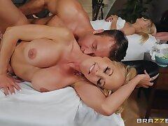 Fitness Hot MILF Brandi Love Banged The Hung Masseur